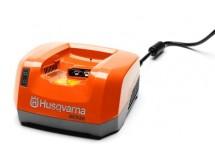 QC330 Nabíječka HUSQVARNA